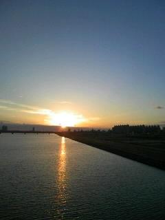 淀川河川敷の夕日