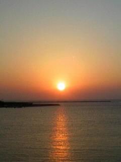 沖縄の日没はもう午後7時