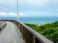 ニライカナイ橋の上