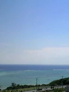 南部郊外の家なう。やっぱり那覇とは海の色が違う!