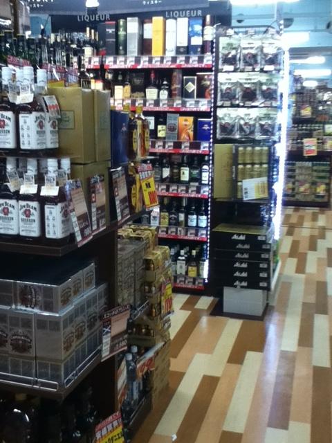 ドンキホーテ国際通り店地下1階:お酒コーナー