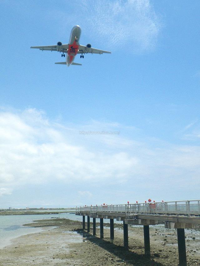 帰りついでに瀬長島でジェット機のお腹