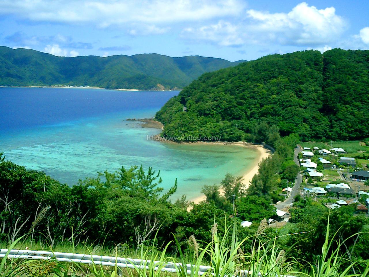 島西岸の集落