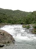 ものすごい水量のカンピレーの滝