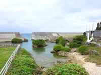 喜界島「坂嶺港の銅像」