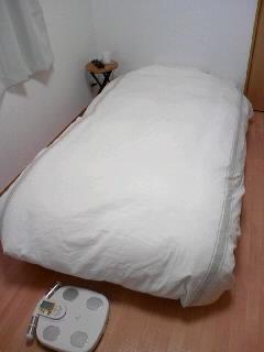 新居紹介「ベッド廻り」