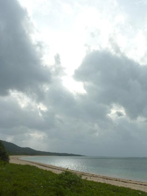 南風見田の浜ではまだ日差しもあった
