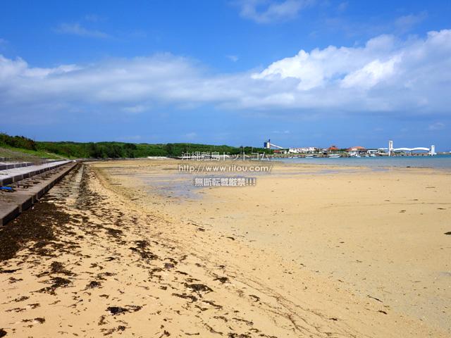 トゥマールビーチから小浜港までは護岸整備有り