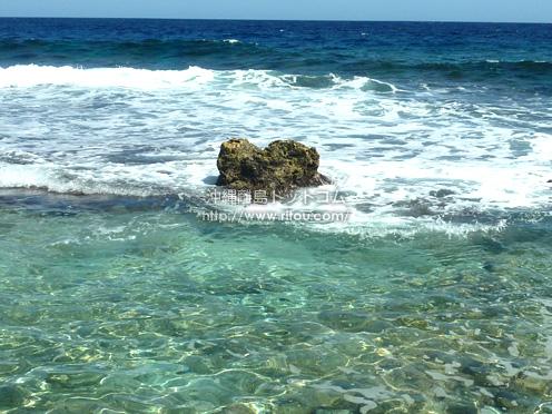 【南大東島】本場海岸の「ハート岩」的な感じ