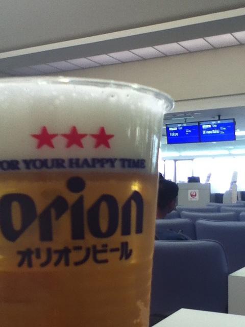 那覇空港でのトランジットの時間があまり無いので宮古で一杯