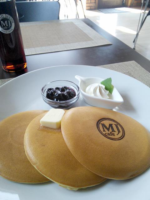 MJカフェ パンケーキはキレイですが・・・