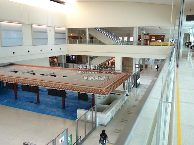 国際線ターミナル2階にあったアイランド型チケットロビーは廃止