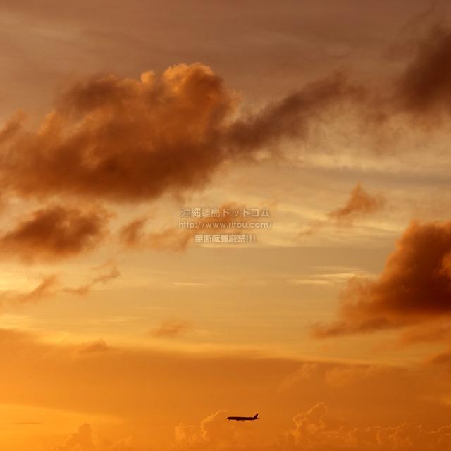 2019/09/29 の夕日と/航空機