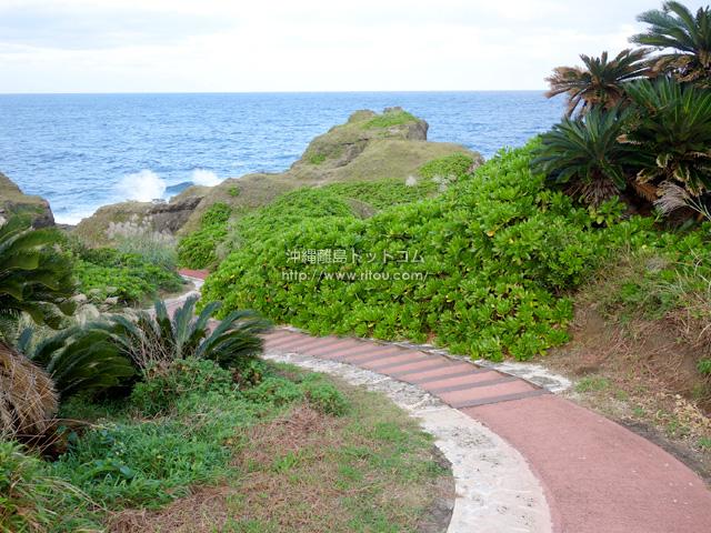 メガネ岩までの遊歩道も歩きやすくなりました!