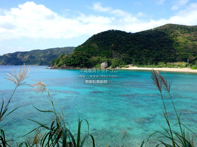 加計呂麻島の嘉入の海/嘉入集落/亀石/一枚岩