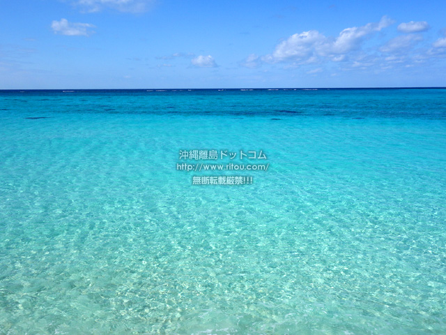 下地島の下地島空港17エンドビーチ/海の色