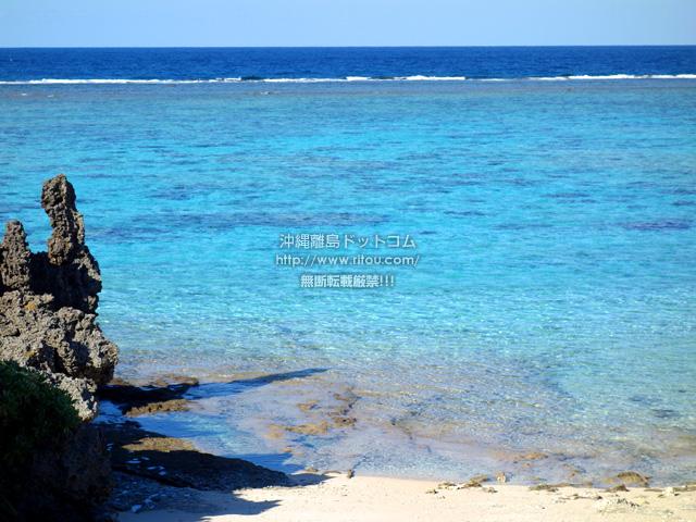 与論島の宇勝の漁港