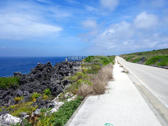 北大東島の南側の道