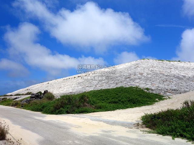 北大東島の白いピラミッド