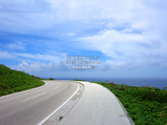 北大東島の北大東島北側の道/黒部岬