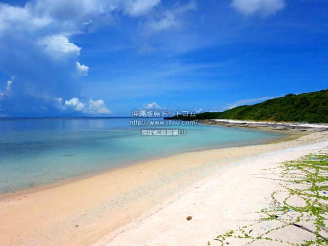 波照間島の波照間港脇のビーチ