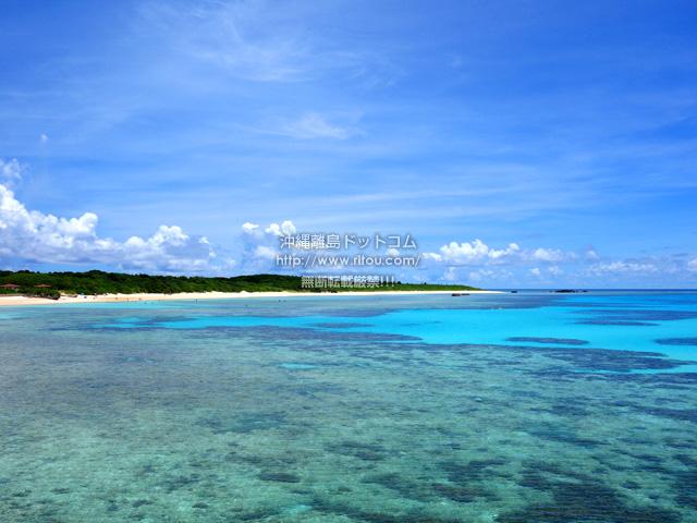 波照間島の真のハテルマブルー/波照間港防波堤