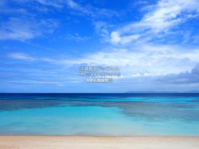 波照間島のニシ浜防波堤下