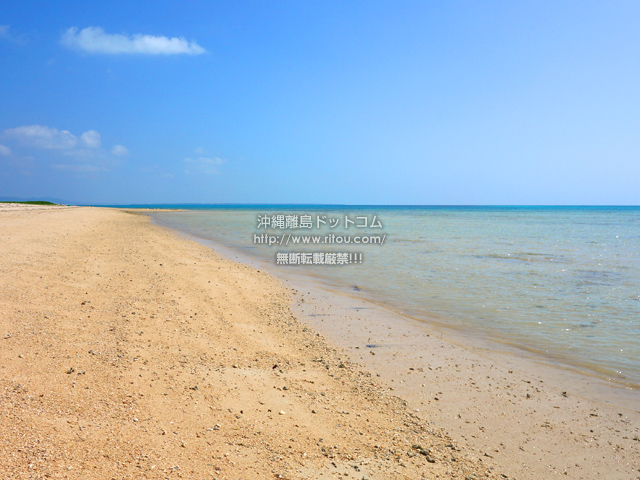 小浜島のはいむるとイルマーレの間のビーチ