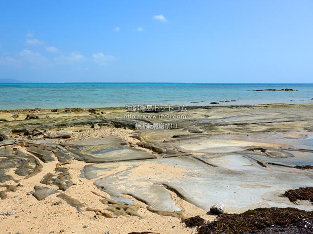 小浜島のイルマーレとトゥマールの間のビーチ