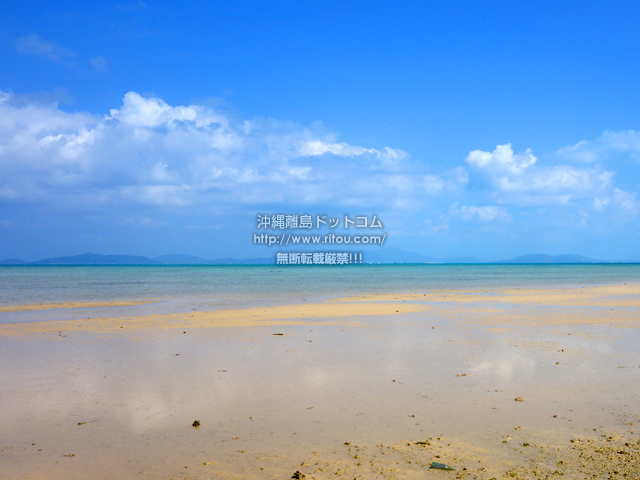 小浜島のトゥマールと小浜港の間のビーチ