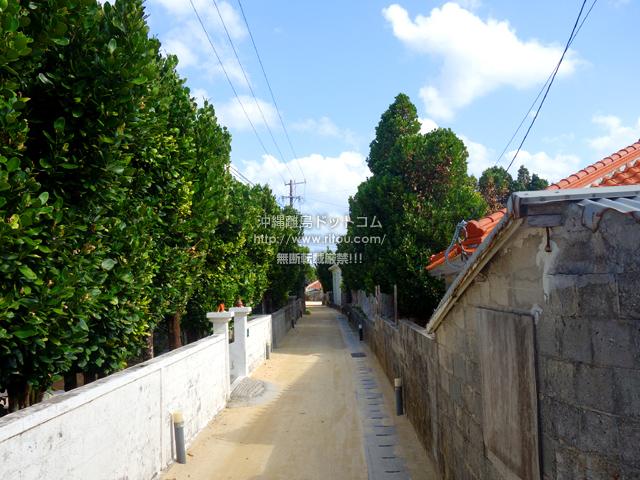 渡名喜島の村道1号線/フットライト