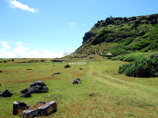与那国島の東崎の崖下/アリシ観光公衆便所