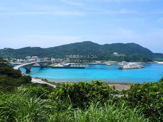 阿嘉島の慶留間島の崖