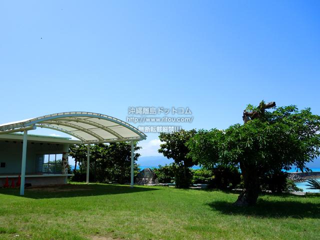 鳩間島の鳩間島コミュニティセンター前広場/鳩間島音楽祭広場