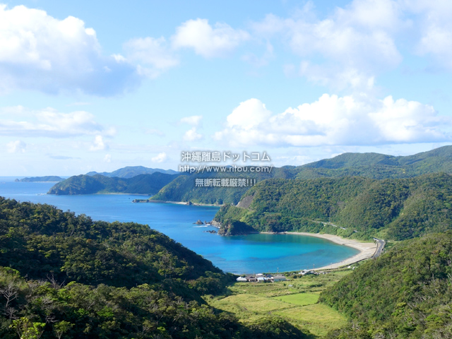 加計呂麻島の野見山集落/野見山海岸