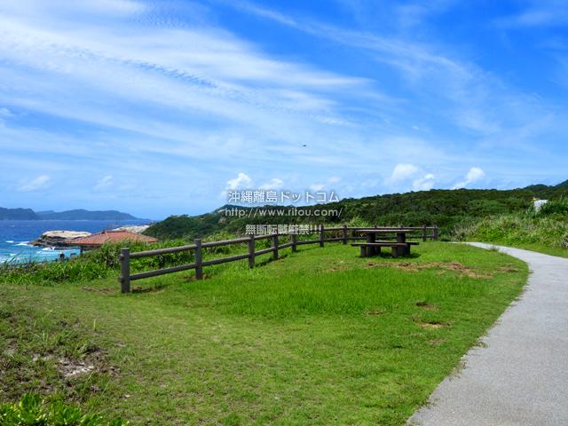 渡嘉敷島の阿波連崎途中の展望台