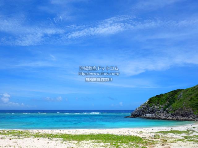 渡嘉敷島の浦の海