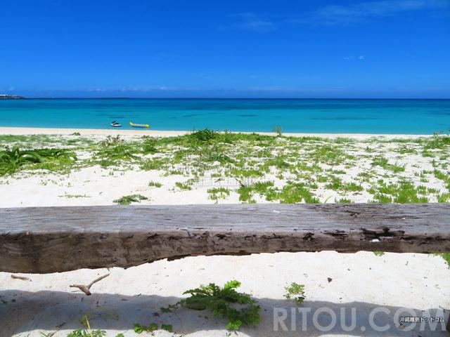 与論島のウドノスビーチ