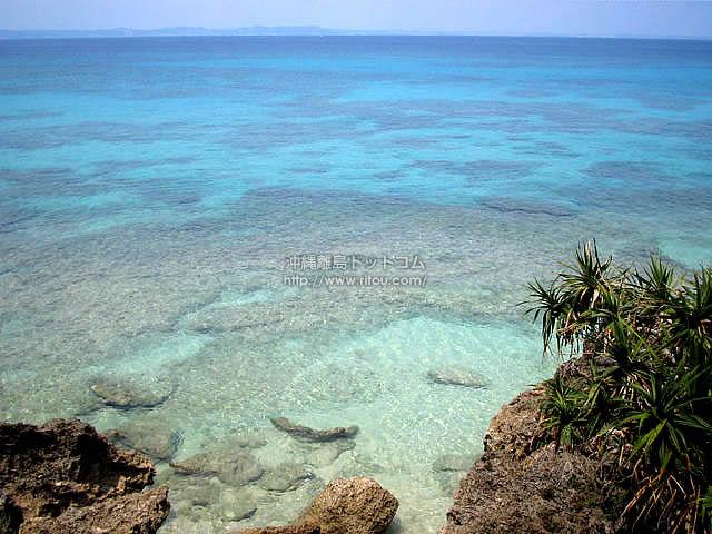 あまりに透明な海(久高島の壁紙/写真)