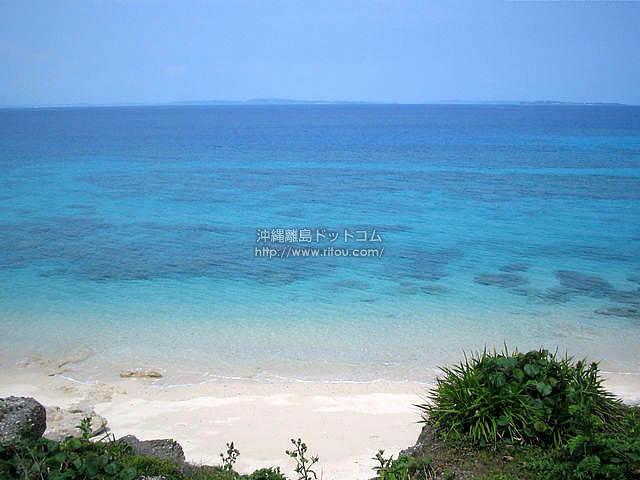誰にも踏まれていない砂浜(久高島の壁紙/写真)