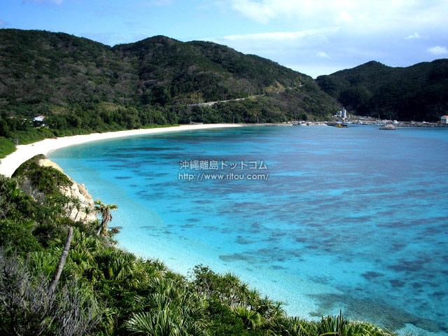 絵に描いたような沖縄のビーチ(渡嘉敷島の壁紙/写真)