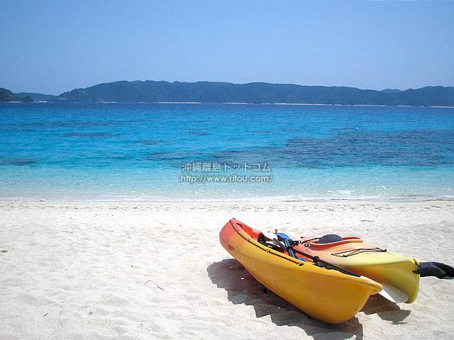 離島の夏、海遊び(座間味島の壁紙/写真)