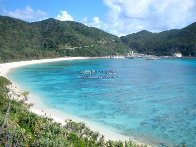 阿波連ビーチを一望(渡嘉敷島の壁紙/写真)