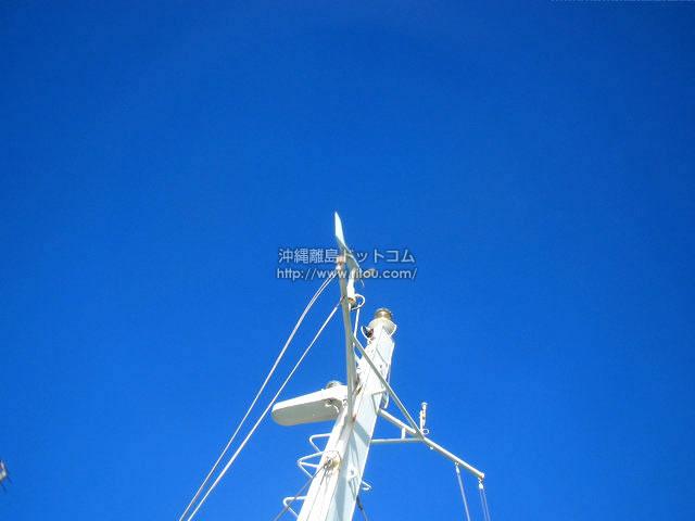 青い空に映える人工の造形(渡嘉敷島の壁紙/写真)