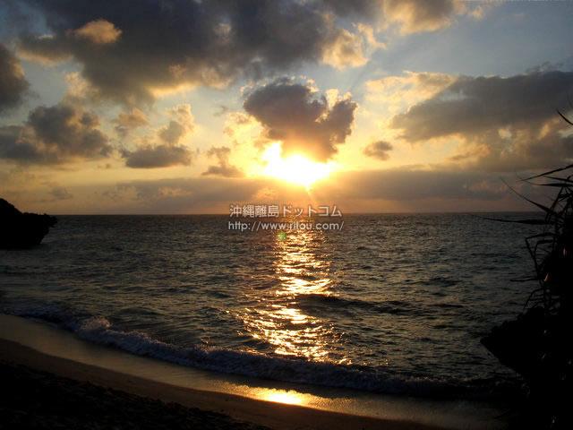 サンセットビーチIN与論島(与論島の壁紙/写真)