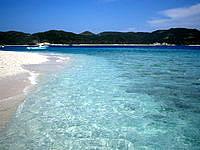 嘉比島の嘉比の海の色 - やっぱり慶良間、透明度抜群です