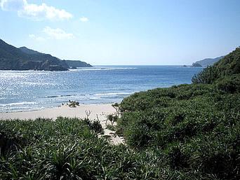 嘉比南のビーチ