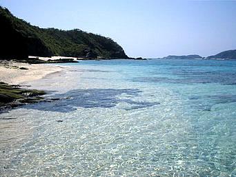 安室島の安慶名敷島側の海1