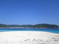 沖縄本島離島 安慶名敷島の安慶名敷北のビーチの写真