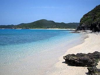 安慶名敷島側の海2